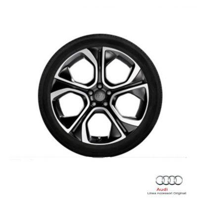 """Ruota completa estiva 18"""" con pneumatico 225/35 R18 87W e disegno poligonale a 5 razze lucido/nero opaco - Audi A1 8X"""